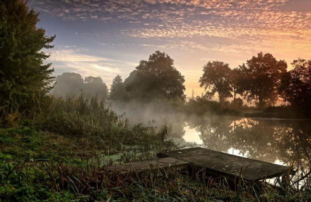 Październikowe mgły