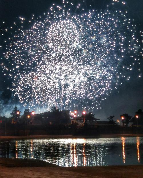 #fajerwerki #światla #jezioro #anglia