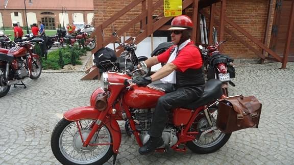 http://images70.fotosik.pl/353/f7307bc794858c47.jpg