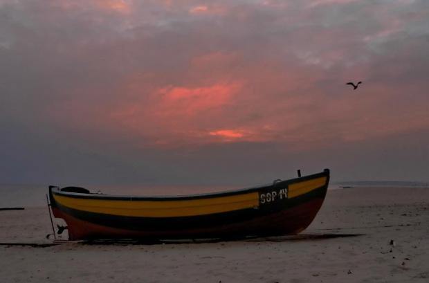łódź pełna rubinu #łódź #ranek