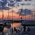 Witaj, nowy dniu w cichej przystani #yachts #TheMarina #sunrise #jachty #przystań #wschód