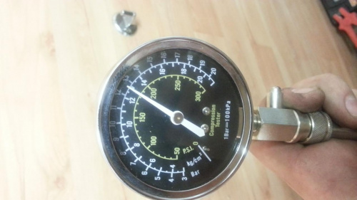 Manometry po sprawdzeniu kompresji varadero 125 XL #Manometr #varadero #honda
