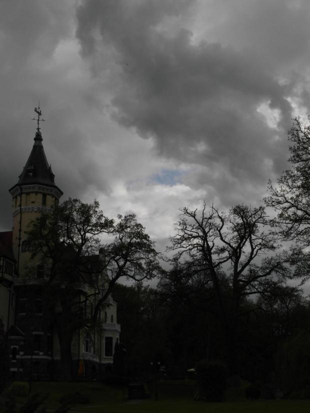 Pałac w Strzekęcinie #Strzekęcin #PrzedBurzą