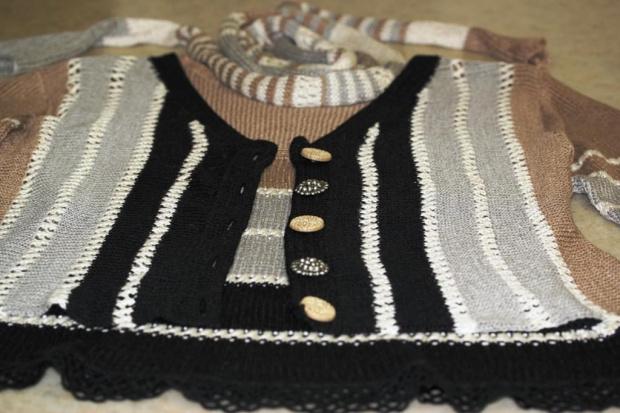 zbliżenie #AlizeLino #druty #len #sweterek #top #wiskoza